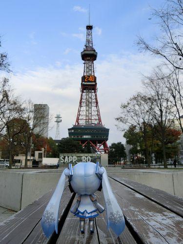 Piaproピアプロイラスト札幌テレビ塔前で