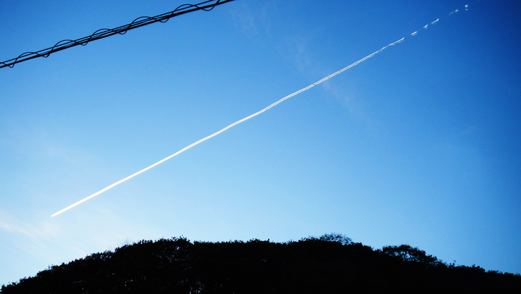 clear contrail